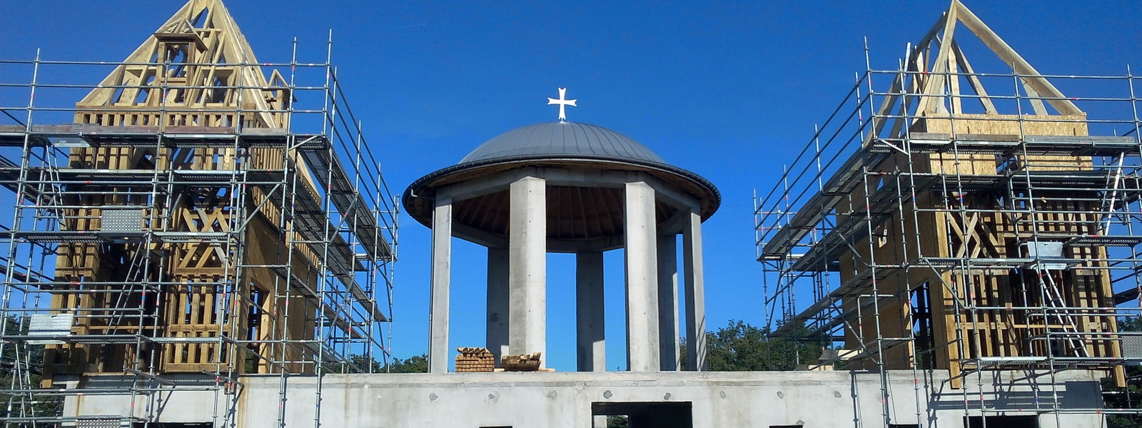 Construction des tours du nouveau catholicon